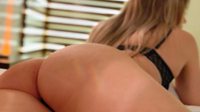 Live Webcam chat with UNIVERSITARIA