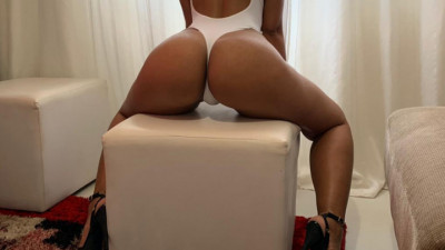 Live Webcam chat with sofiehot